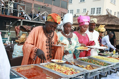 Wedding Menu: The Disadvantages And Advantages Of Buffet (Serve Yourself)