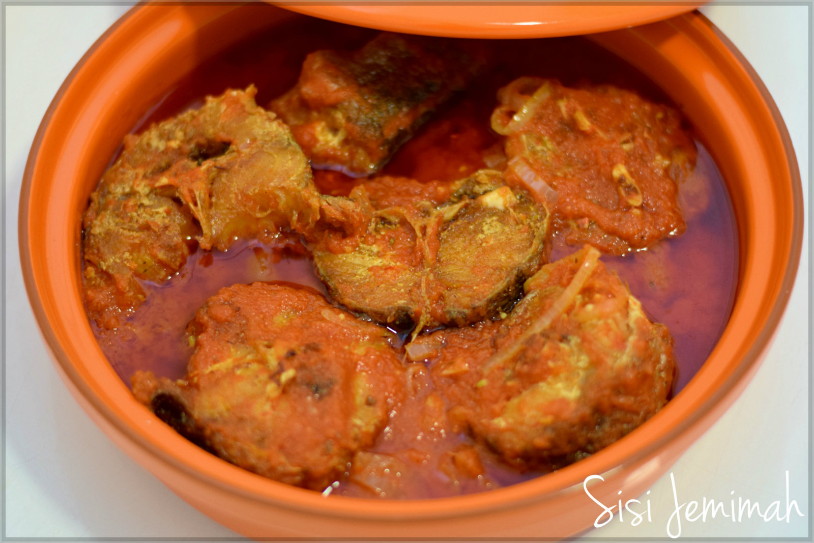 How to prepare fish stew video tutorial fabwoman for How to make fish stew