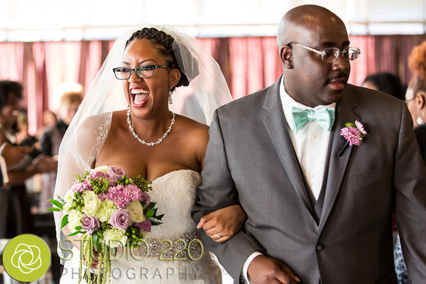 tips for brides who wear glasses