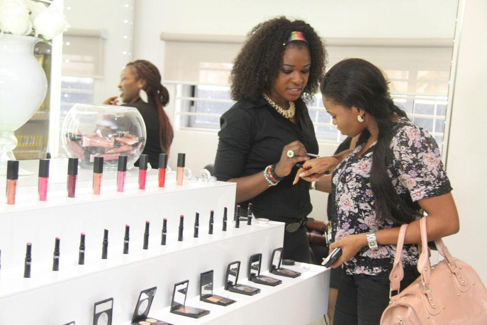 Tips To Know Better Starting A Cosmetics Business