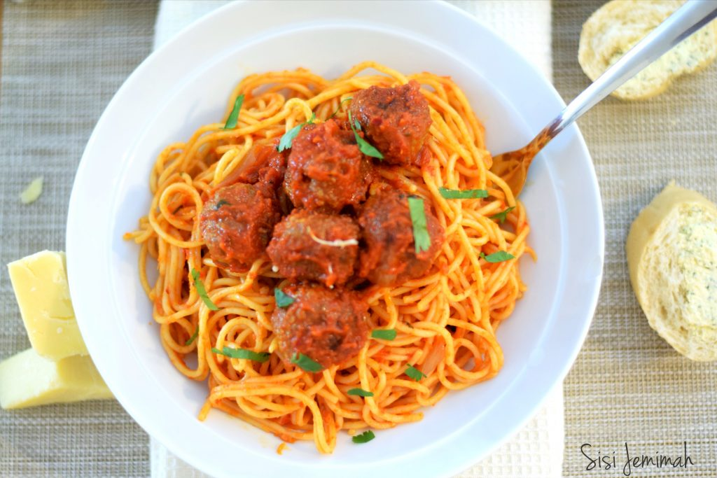 Recipe: Learn This Delicious Spaghetti Minced Meat Jollof  From SisiYemmie