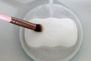 How To Clean Your Makeup Brushes Using HouseHold Items