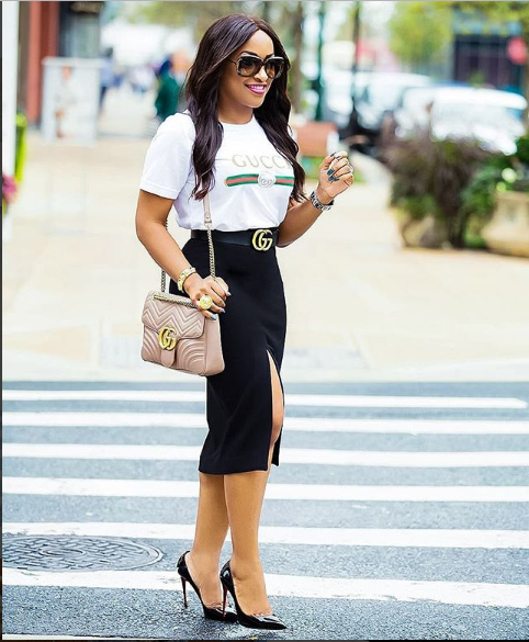 10 Outfit Inspiration For Fashionable Ladies Who Don't Put on Trousers stylet10