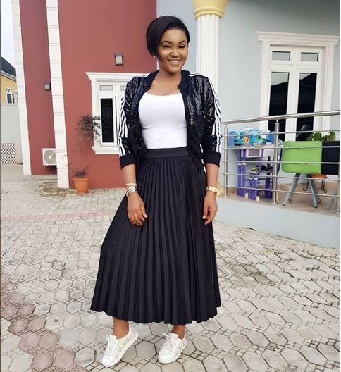 4 Chic Ways To Style Your Pleated Skirt Like Actress, Mercy Aigbe