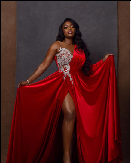 Bisola Aiyeola Crimson Outfits | Photographs bisola in red 5