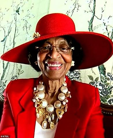 This 82-Yr-Previous Lady Has Dressed Up Each Sunday For 52 Weeks To Attend Her Church's Digital Service dr laverne wimberly 1