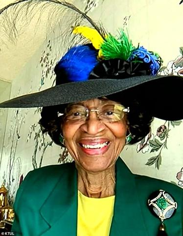 This 82-Yr-Previous Lady Has Dressed Up Each Sunday For 52 Weeks To Attend Her Church's Digital Service dr laverne wimberly 5