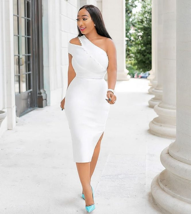 13 White Outfit Concepts To Encourage Your Court docket Marriage ceremony Look white court wedding outfit ideas 10